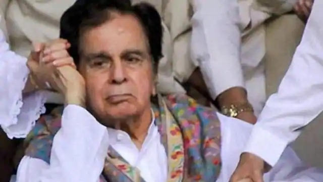 Dilip Kumar was not informed about the demise of both brothers, the reason came out