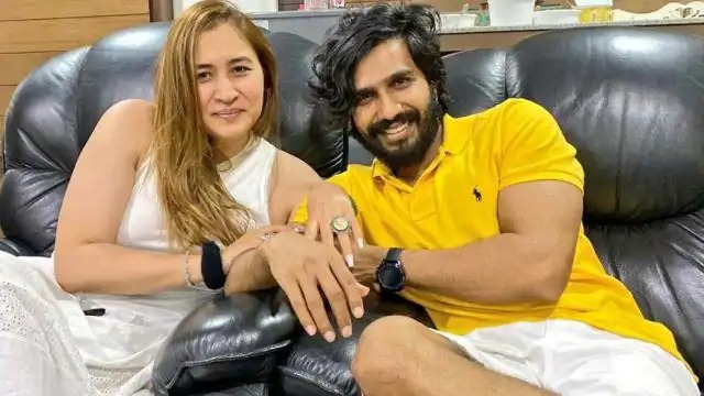 Badminton star Jwala Gutta engaged with actor Vishnu Vishal on her birthday