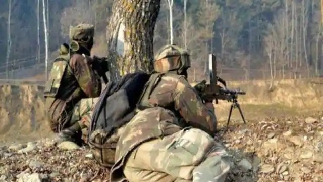 Pakistan again violates ceasefire on LoC, Indian Army gives a befitting reply